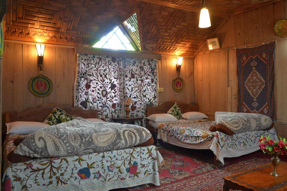 Ceylon Houseboat, Dal Lake, Ceylon Houseboat