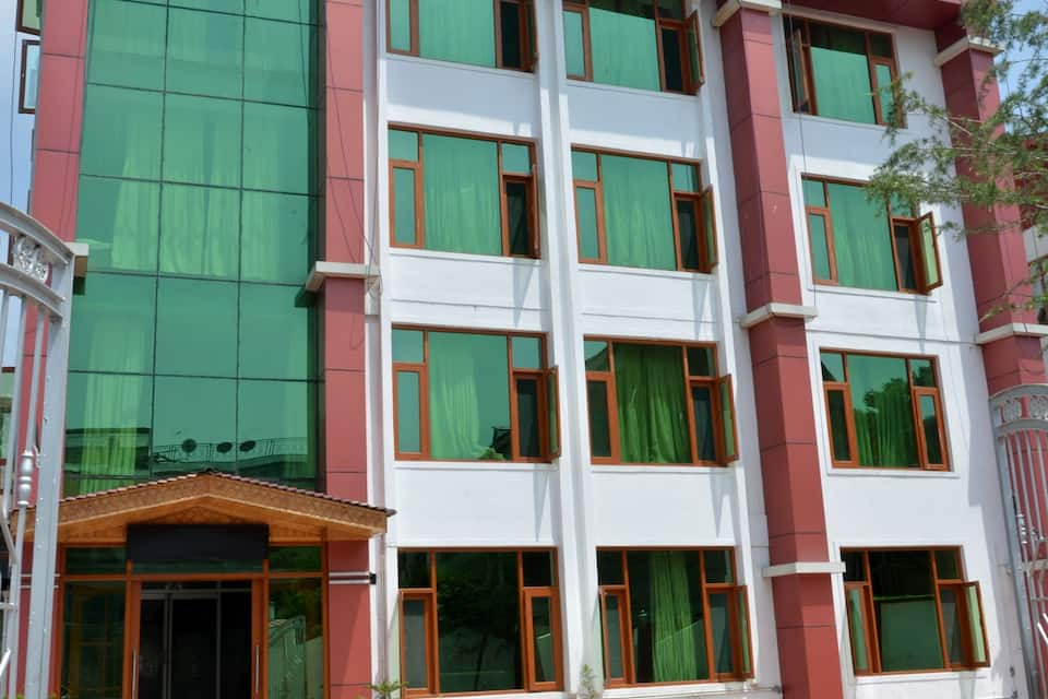 Hotel Grand Tabiyah, Dal Lake, Hotel Grand Tabiyah
