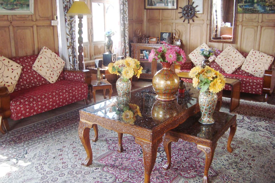 Dongola Palace Houseboat, Dal Lake, Dongola Palace Houseboat