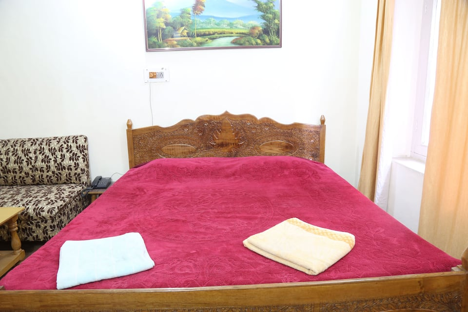 Grand  Paradise Guest House, Raj Bagh, Grand  Paradise Guest House