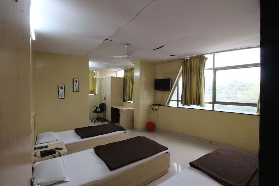 Kohinnor Lodge, Chinchwad East, Kohinnor Lodge