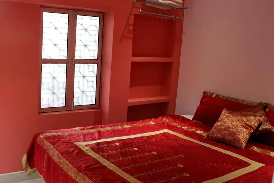 Ganga Love Luxe P Guest House, Shivala Ghat, TG Stays Panchkot