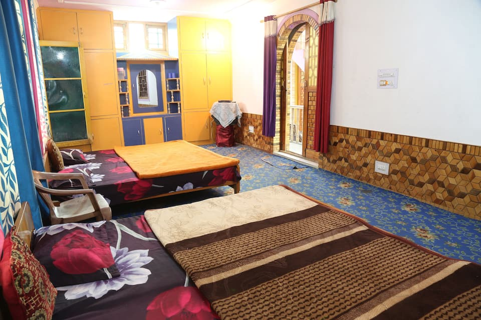 Hotel Royal Rameez, Barbar Shah, Hotel Royal Rameez
