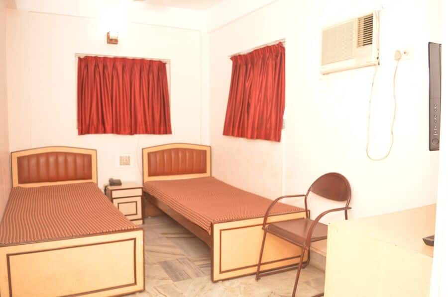 YES Rooms Raja Santosh Rd Chetla, Rashbehari avenue,  YES Rooms Raja Santosh Rd Chetla