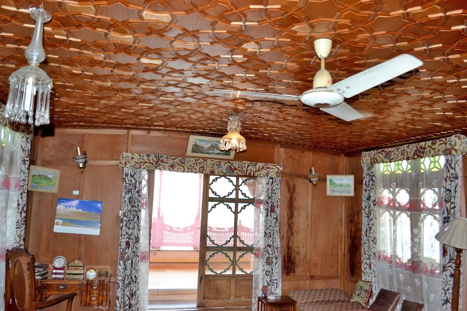 Billoo Palace Houseboat, Dal Lake, Billoo Palace Houseboat