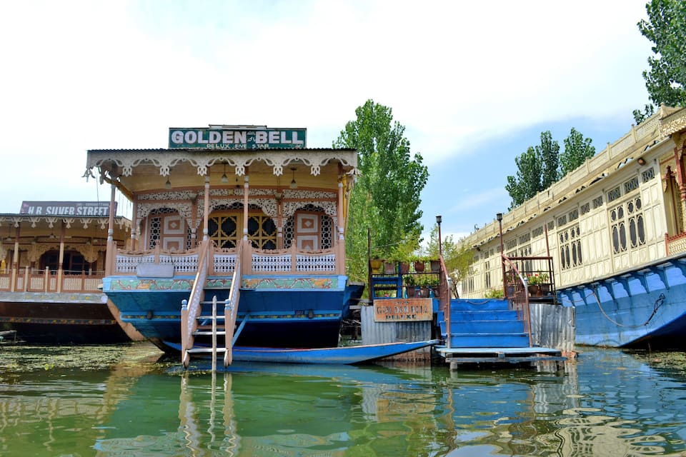 Golden Bell Houseboat, Dal Lake, Golden Bell Houseboat