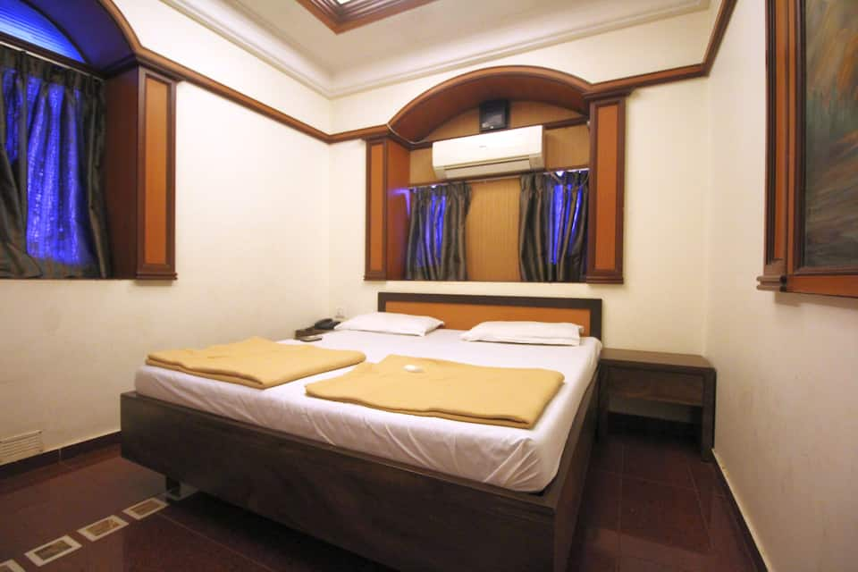 Anand Lodge, Dadar (East), Anand Lodge