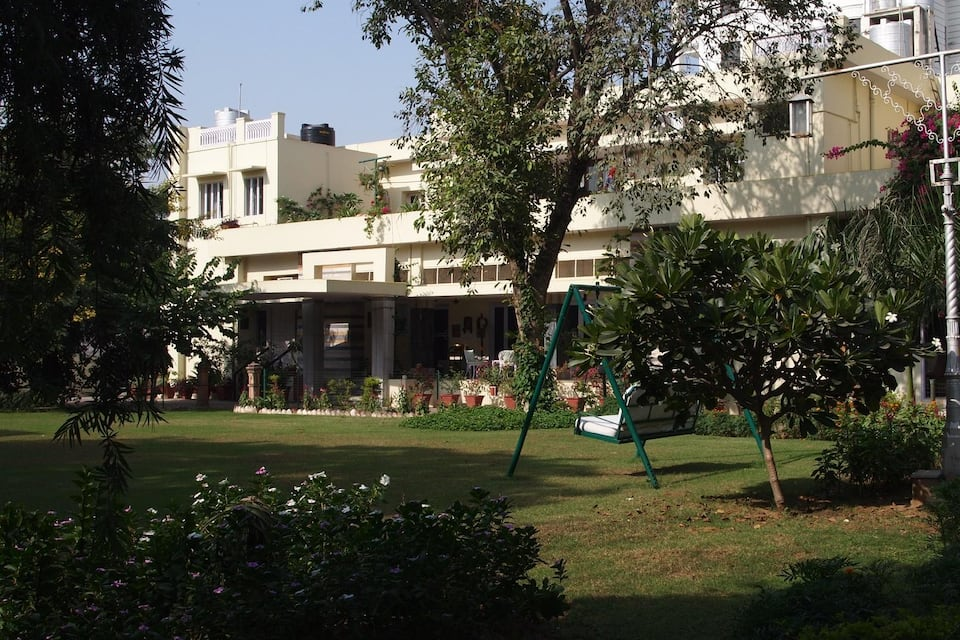 The Generals Retreat, Sardar Patel Marg, The Generals Retreat