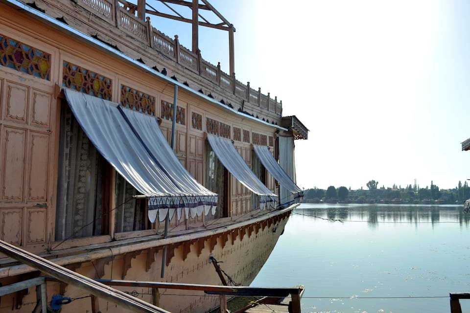 India Palace Houseboat, Nagin Lake, India Palace Houseboat