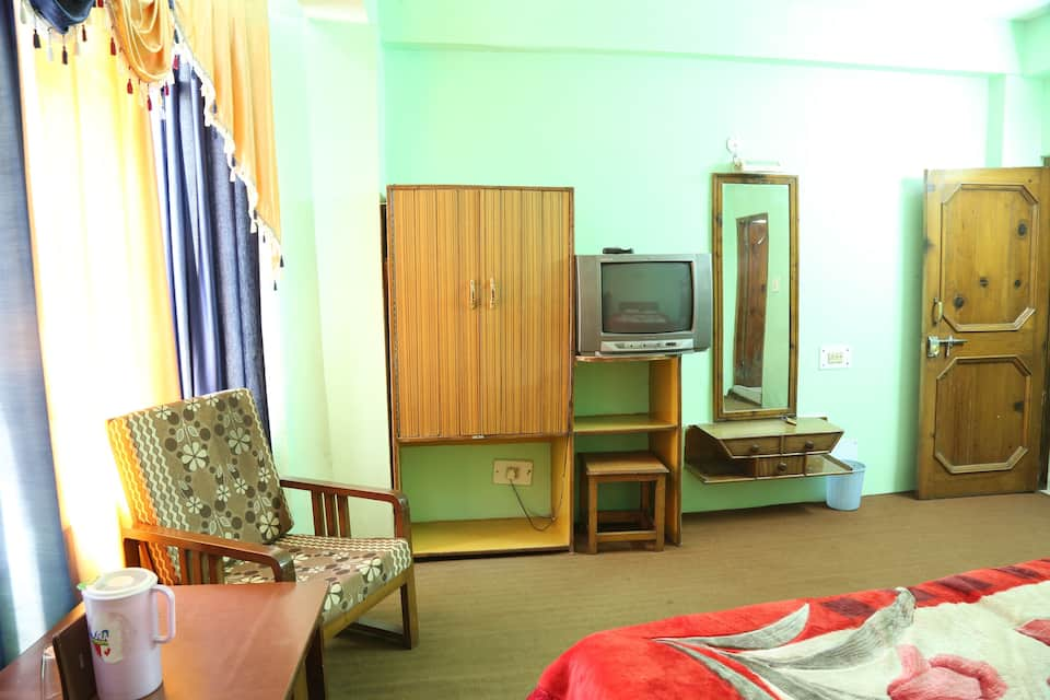 Hotel Neelkanth, Mall Road, Hotel Neelkanth