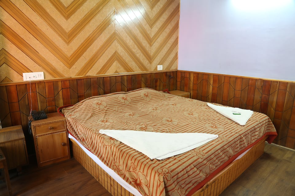 Hotel Samrat, The Mall, Hotel Samrat