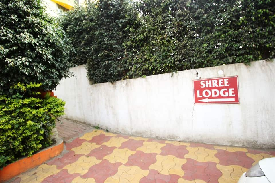 Samruddhi & Shree Inn Lodge, Katraj, Samruddhi  Shree Inn Lodge