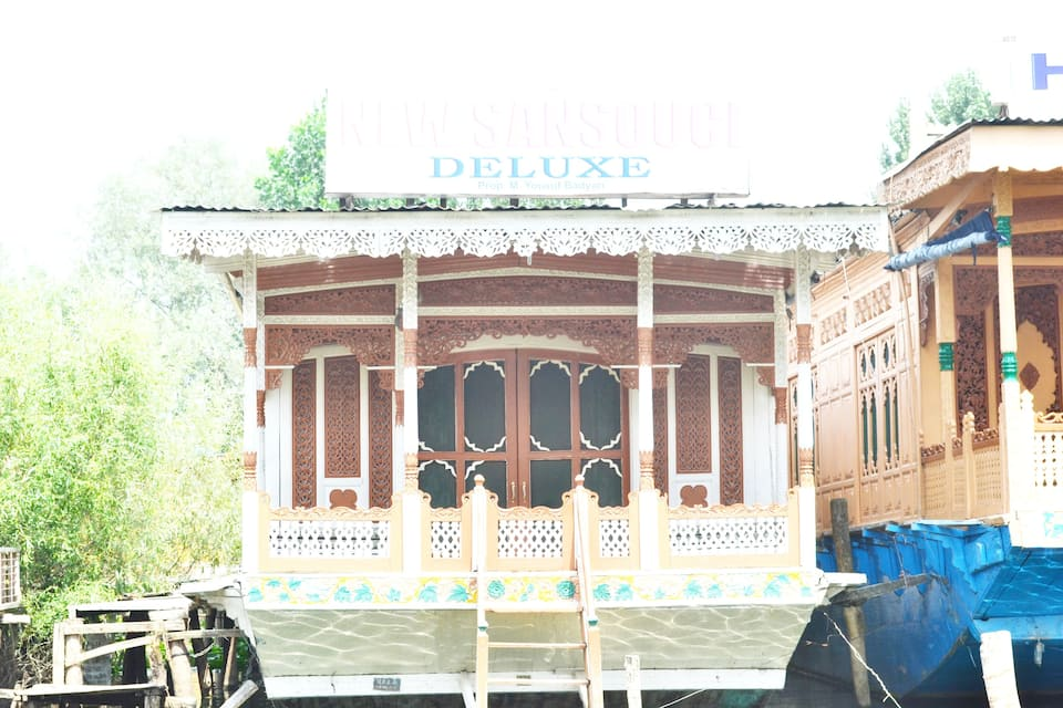 New Sansouci Deluxe Houseboat, Dal Lake, New Sansouci Deluxe Houseboat