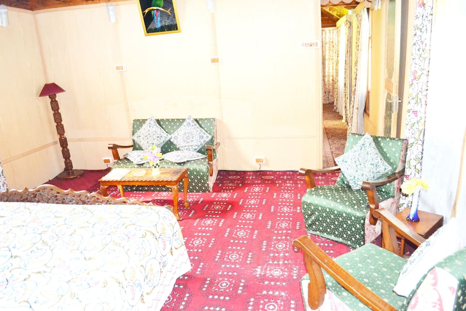 Shama Houseboat, Dal Lake, Shama Houseboat