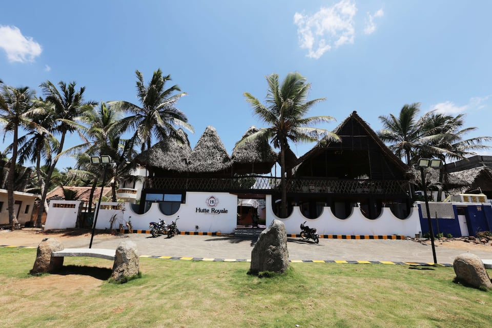Hutte Royale At Serenity Beach