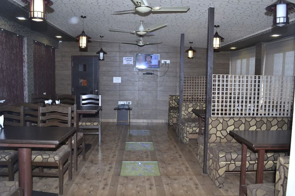 Hotel Mahadev Regency, Station Road, Hotel Mahadev Regency