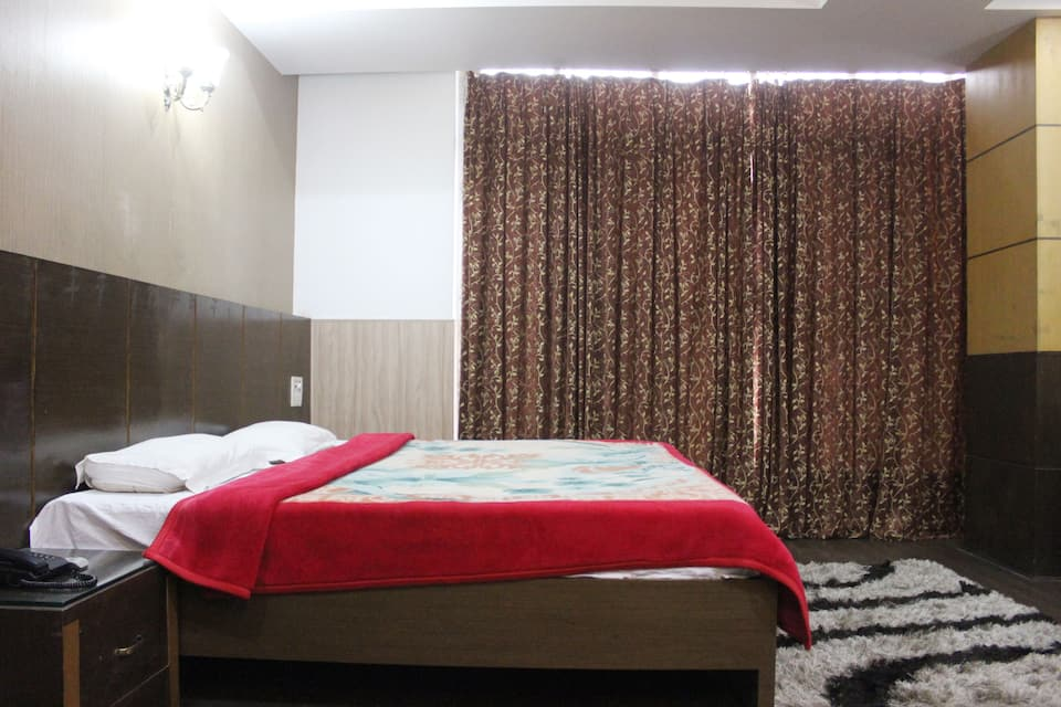 Hotel Randhawa International, J & K Road, Hotel Randhawa International