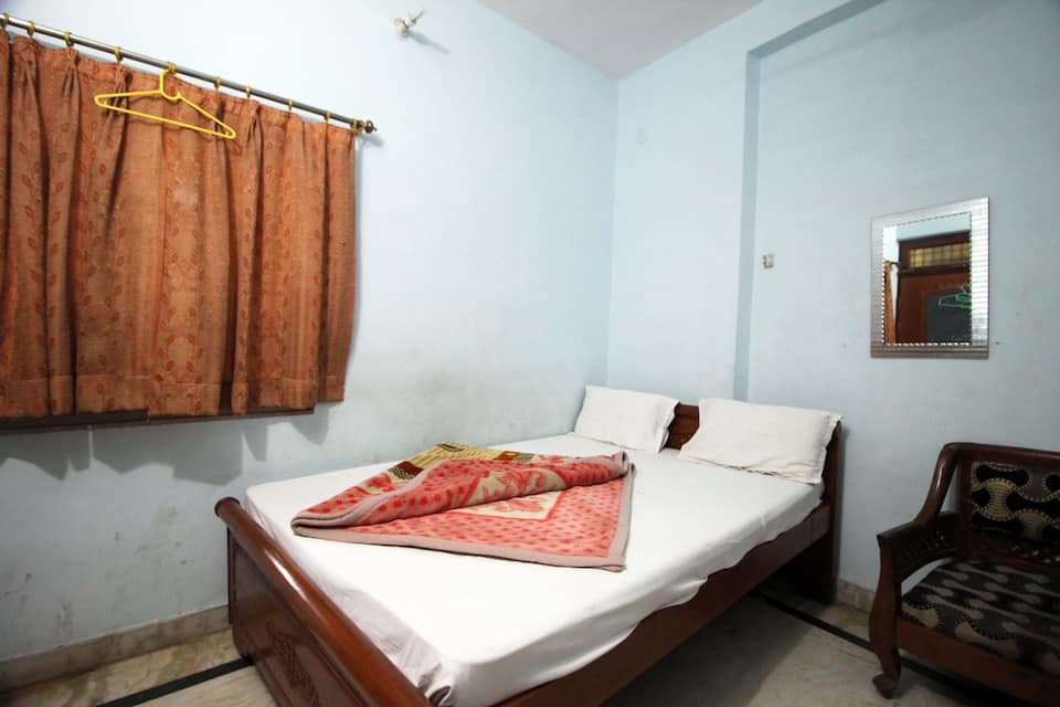 The Bharat Guest House, Fatehabad Road, The Bharat Guest House
