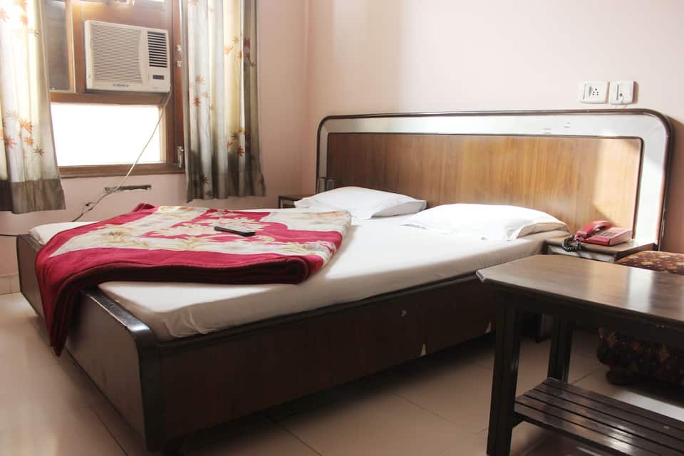 Hotel Aaditya Heights, Golden Temple Road, Hotel Aaditya Heights
