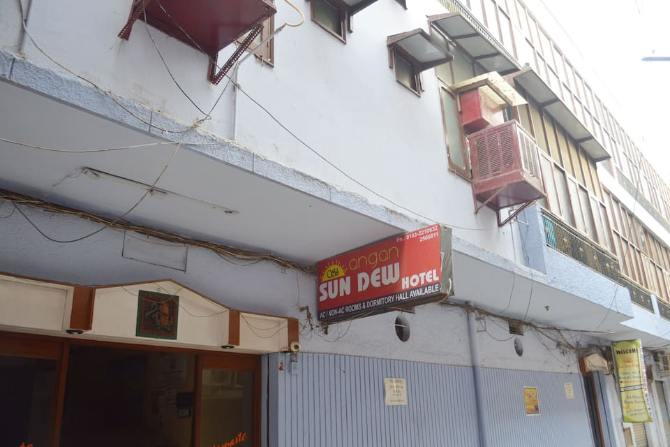 Hotel Sun dew, Near Golden Temple, Hotel Sun dew