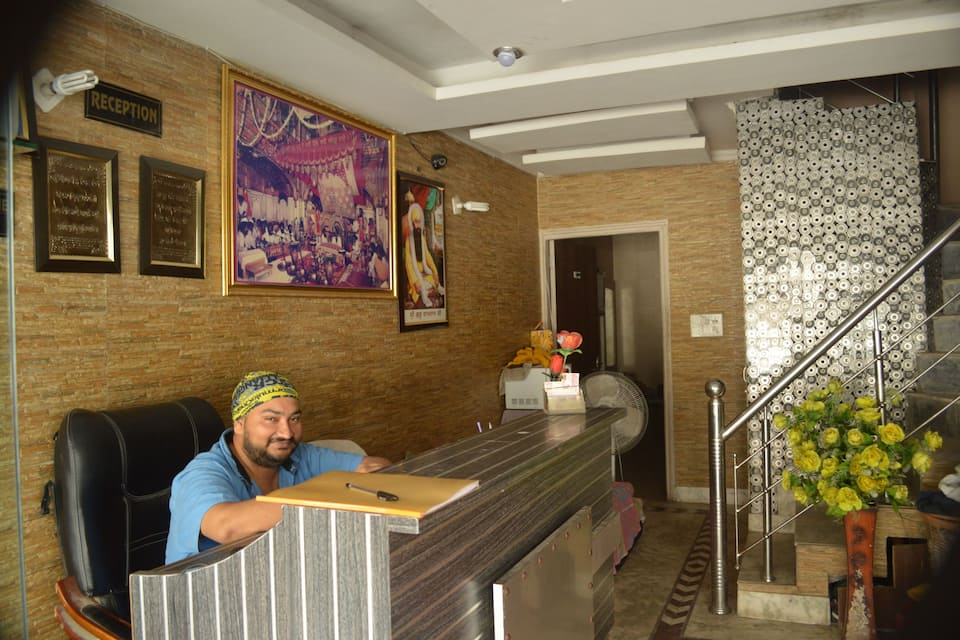 Brother Guest House, Near Golden Temple, Brother Guest House
