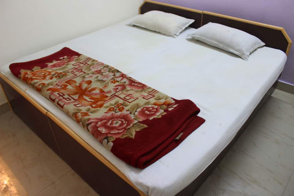 Hotel Goverdhan Palace, Railway road, Hotel Goverdhan Palace