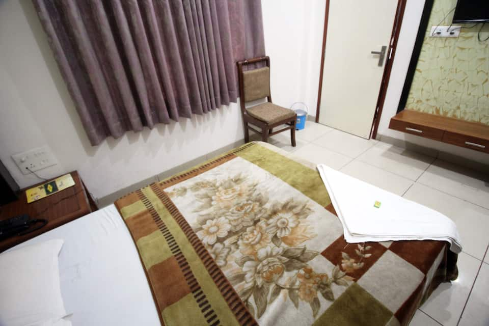 Hotel Kirandeep, Mall Road, Hotel Kirandeep