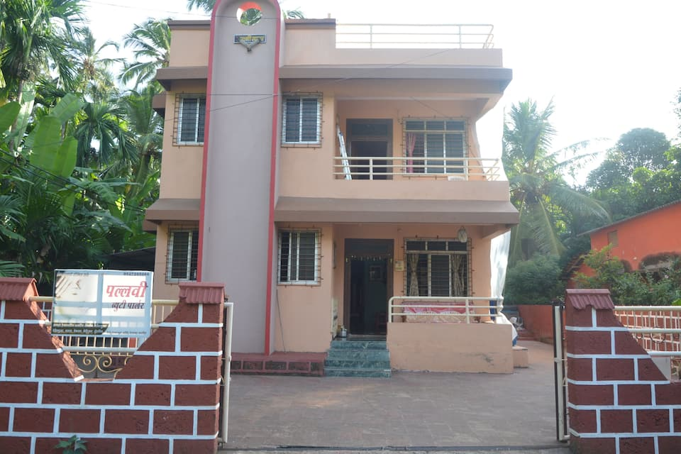 Laxmi Chayaa Lodging & Boarding