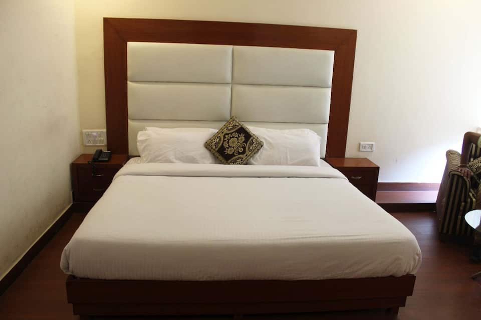 Hotel Dream Land, Bahadrabad, Hotel Dream Land