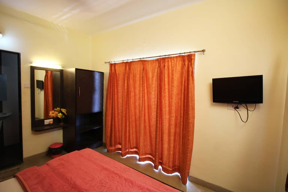 Yashnath Lodge, Alandi Road, Yashnath Lodge