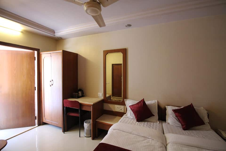 Paris Residency, Dadar (East), Paris Residency