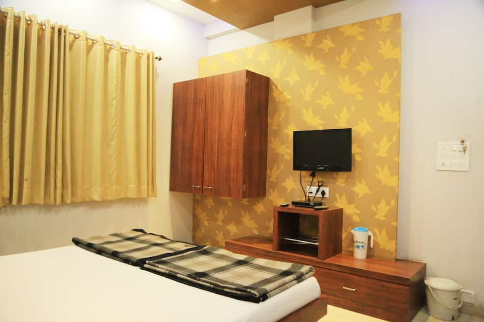 Hotel Dhanshree Executive Lodging, Station Road, Hotel Dhanshree Executive Lodging