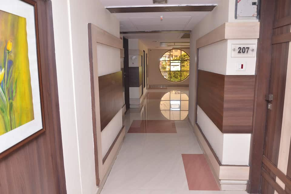 Hotel Amrit Residency, South Tukoganj, Hotel Amrit Residency
