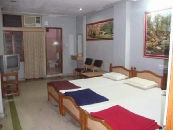 Classic Lodge & Boarding, Nampally, Classic Lodge  Boarding