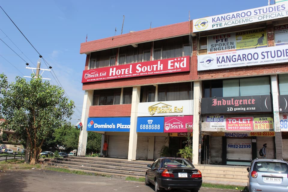 Hotel South End, Sector 35 C, Hotel South End