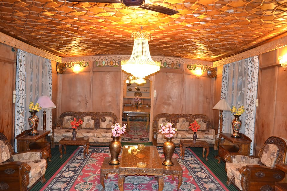 Peer Palace Houseboat, Dal Lake, Peer Palace Houseboat