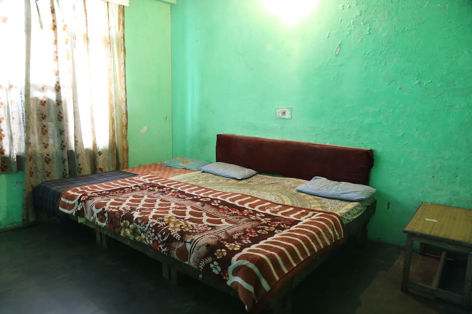 New Rohit Guest House, Near Katra Bus Stand, New Rohit Guest House