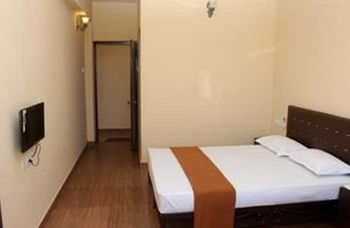 Baga Beach Serviced Apartments, Beach Road, TG Stays Ronnils beach Resort