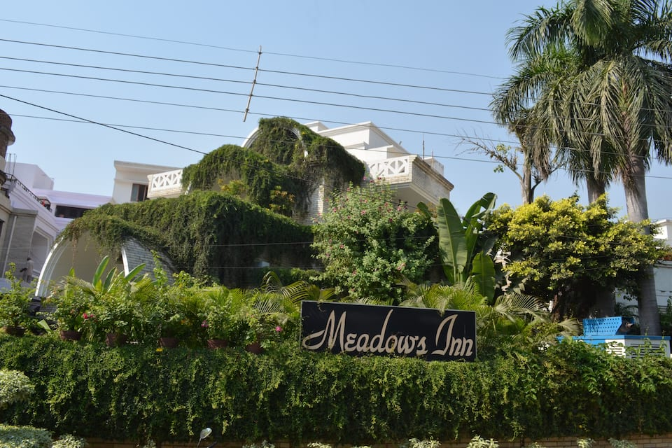 Hotel Meadows Inn