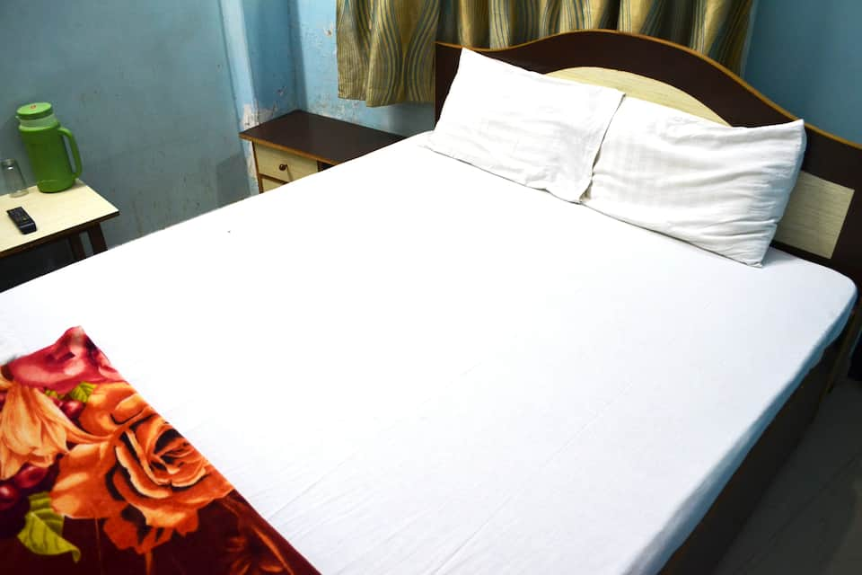 Hotel Pragya International, Godowlia, Hotel Pragya International