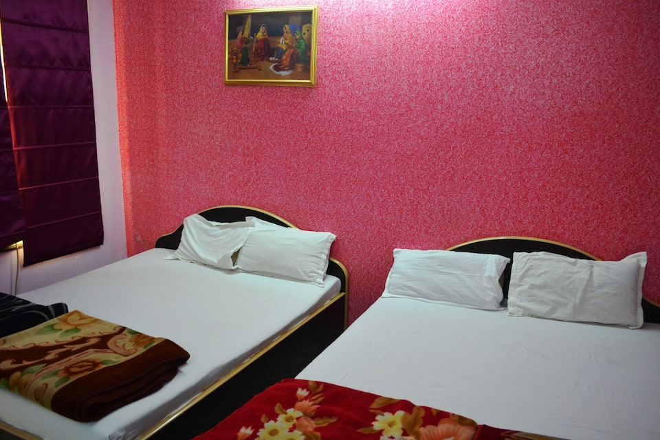 Hotel Sri Ram International, Godowlia, Hotel Sri Ram International