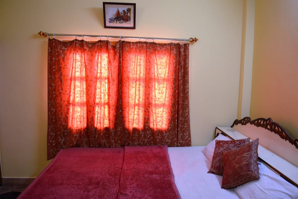 Marilyn Guest House, Shivala Ghat, Marilyn Guest House