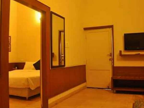 Hotel India Boarding & Lodging, , Hotel India Boarding  Lodging