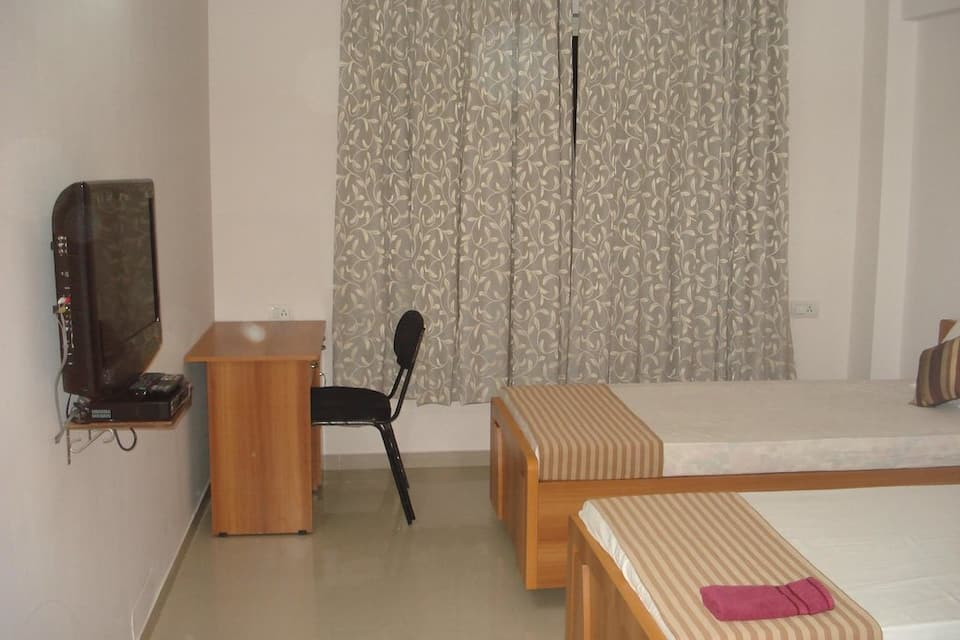 10 Blossoms Signature Service Apartments, Navrangpura, TG Stays Navrangpura