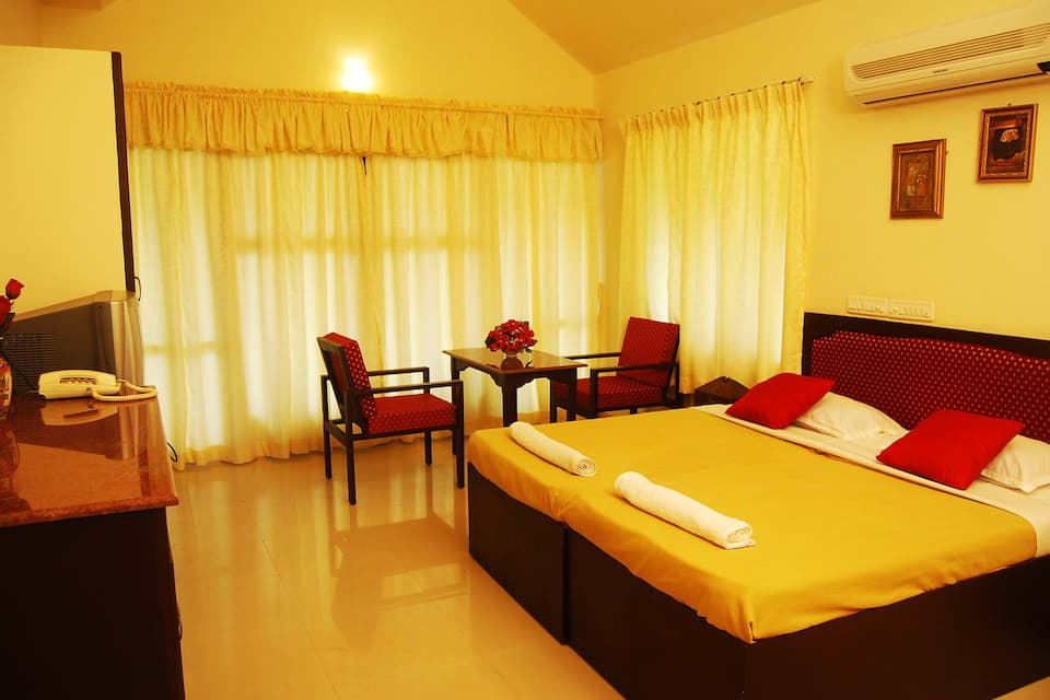 Wintergreen Waterfront Resorts, Kaloor, Wintergreen Waterfront Resorts