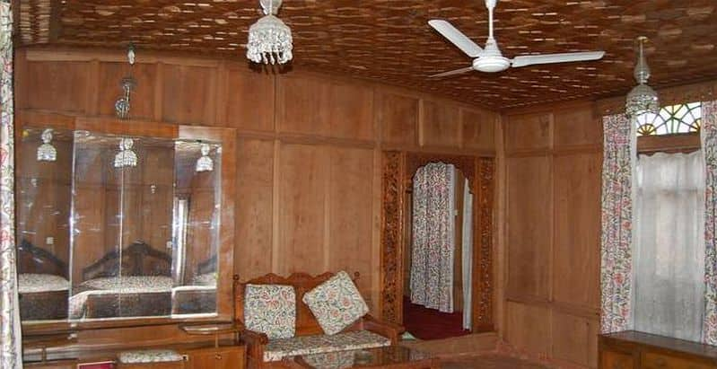 Hazar Dastan Houseboat, Golden Dal Lake, Hazar Dastan Houseboat