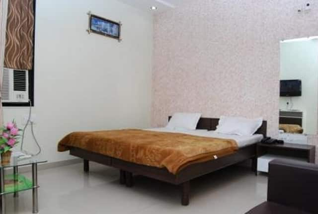 Maple Door Service Apartments, , TG Stays Mithakhali Circle