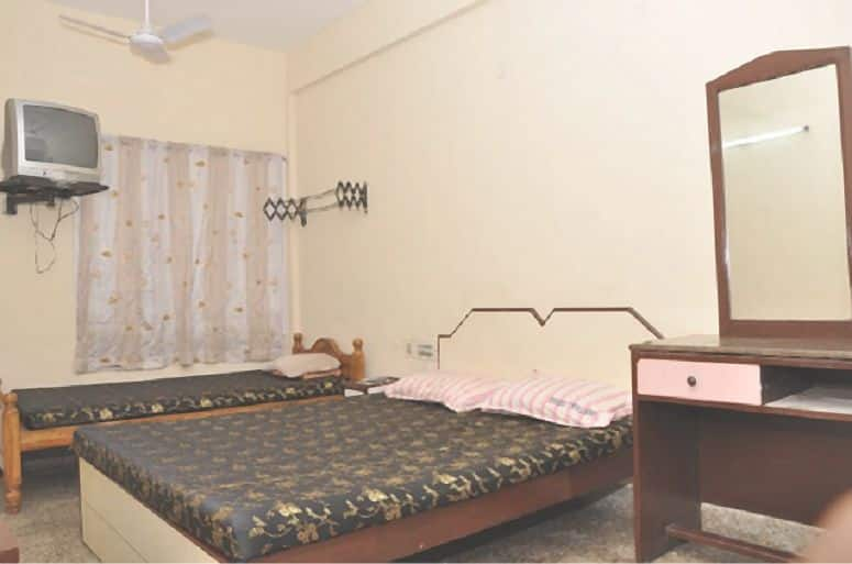 Kavetha Lodge, Anna Nagar, Kavetha Lodge