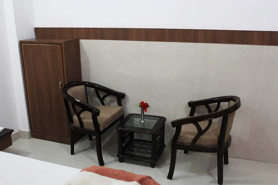 Imperial Lodge, Trikuta Nagar, Imperial Lodge
