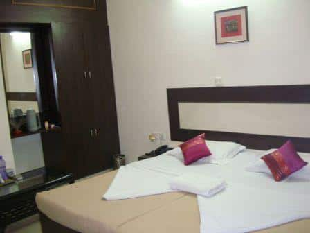 Orchid Park Hotel, DLF Phase II, Orchid Park Hotel